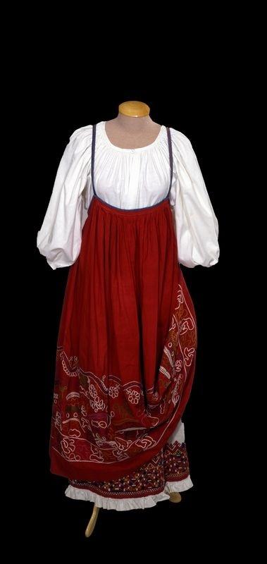 Женский «покосный» костюм